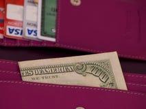 100 fattura di dollaro americano e carte di credito Fotografia Stock