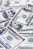 Fatture dei dollari Scattered100 Immagini Stock Libere da Diritti