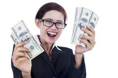 Fatture del dollaro della holding della donna di affari Fotografia Stock