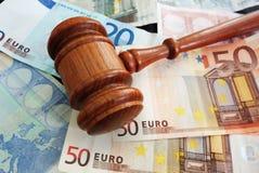 Fatture e euro Fotografie Stock Libere da Diritti