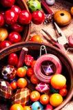 Fatura do bijouterie de grânulos coloridos fotografia de stock royalty free