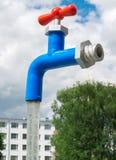 Faucet воды летания стоковое изображение