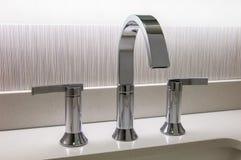 Faucet дизайнера хрома Стоковая Фотография RF