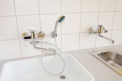 Faucet com chuveiro Foto de Stock Royalty Free
