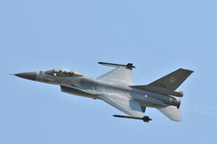 Faucon de F-16 de General Dynamics images libres de droits