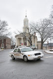 Fauquier County sheriffbil framme av domstolsbyggnaden, Warrenton, Virginia Royaltyfri Bild