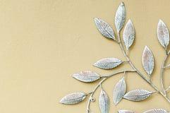 Fausses feuilles décoratives de fer Photos stock