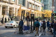 Fausses guillotines à la protestation photographie stock libre de droits