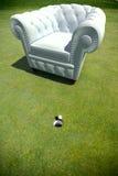 Fauteuil de club en vert de golf Photographie stock libre de droits
