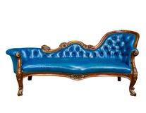 Fauteuil en cuir bleu de luxe d'isolement Photo stock