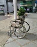 Fauteuil roulant d'hôpital photographie stock libre de droits