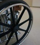 Fauteuil roulant dans l'hôpital Photo libre de droits