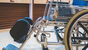 Fauteuils roulants de accès pour le transport de patients photo stock