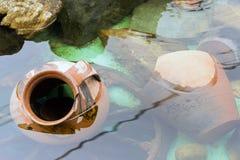 Faux trésor en céramique antique de poterie Photographie stock libre de droits