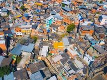 Favela (贫民窟)的顶视图 免版税库存图片