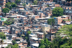 Favela dichtbij Copacabana in Rio de Janeiro Stock Foto
