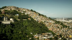 Favela Morro DOS Prazeres i Rio de Janeiro, Brasilien royaltyfria foton