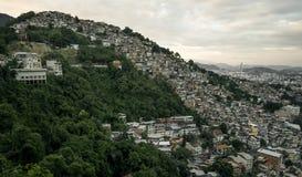 Favela Morro DOS Prazeres i Rio de Janeiro, Brasilien royaltyfri bild