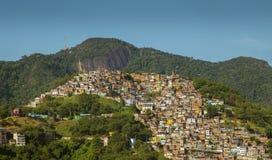 Favela Morro DOS Prazeres i Rio de Janeiro, Brasilien royaltyfria bilder