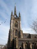 FAVERSHAM, KENT/UK - 29 MAART: Mening van St Mary van Liefdadigheid Churc Royalty-vrije Stock Foto's