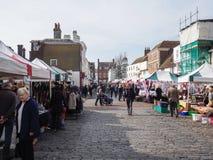 FAVERSHAM, KENT/UK - 29 MARS : Vue de marché en plein air dans Faversh Photographie stock
