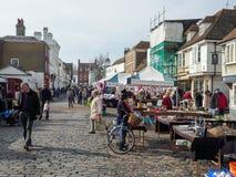 FAVERSHAM, KENT/UK - 29 MARS : Vue de marché en plein air dans Faversh Photo stock