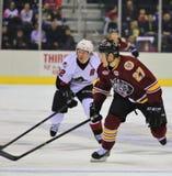 Favorable acción del hockey sobre hielo Imagen de archivo libre de regalías