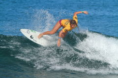 Favorable Amy Nichols de la persona que practica surf Foto de archivo