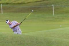 Favorable oscilación de Castano de golf Imágenes de archivo libres de regalías