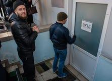 Favorable partido político ruso que cerca con piquete Imagen de archivo libre de regalías