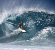 Favorable persona que practica surf Fred Patacchia Imagen de archivo