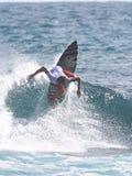 Favorable persona que practica surf Hector Santa María Imágenes de archivo libres de regalías