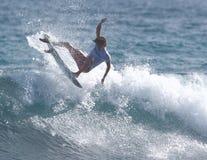 Favorable persona que practica surf Hector Santa María Foto de archivo libre de regalías