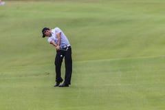 Favorable tiro del hierro de Cabrerro de golf Imagen de archivo