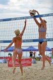 Favorable voleibol de la playa de 2013 mujeres Foto de archivo libre de regalías