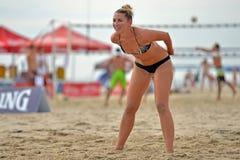 Favorable voleibol de la playa de 2013 mujeres Fotos de archivo