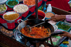 The Favorite stir fried noodle thai style Royalty Free Stock Photos
