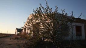 Fazendas de criação de construção destruídas video estoque