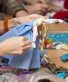 Fazendo a boneca Vesnyanka Imagem de Stock Royalty Free