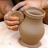 Fazendo a cerâmica da argila Imagens de Stock Royalty Free