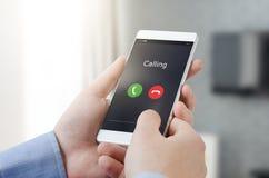 Fazendo chamar um telefone esperto foto de stock