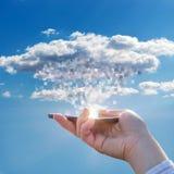 Fazendo download dos dados da nuvem foto de stock