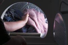 Fazendo a lavanderia Imagens de Stock Royalty Free