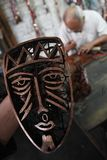 Fazendo o batik carimbar Fotografia de Stock Royalty Free