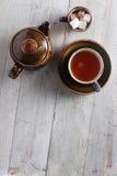 Fazendo o chá no potenciômetro Imagens de Stock Royalty Free
