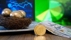 Fazendo o dinheiro e o investimento bem sucedido fotografia de stock