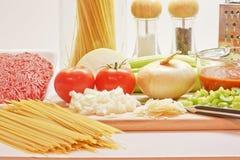 Fazendo o espaguete Imagens de Stock Royalty Free