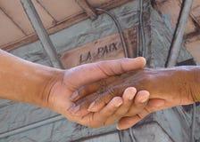 Fazendo a paz na rua de Paix do La Imagem de Stock