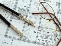 Fazendo a planta arquitectónica Imagens de Stock Royalty Free