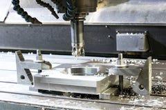 Fazer à máquina industrial do CNC da precisão do detalhe do metal pelo moinho no fá Fotografia de Stock Royalty Free